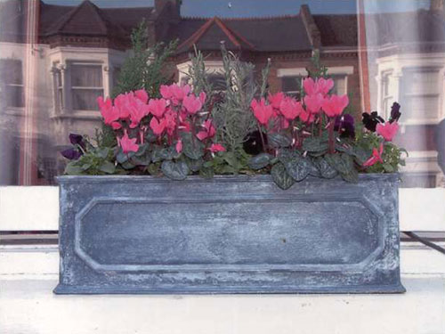 Faux lead box