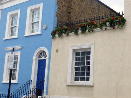 Notting Hill blues: geranium, ivy and topiary